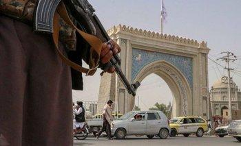Los talibanes son tratados como gobernantes de facto de Afganistán