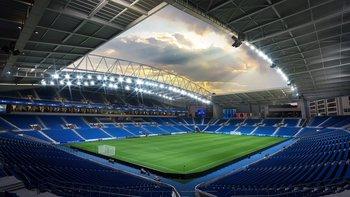 El Estádio do Dragão es un estadio de fútbol ubicado en Oporto, Portugal. Juega de local Porto.