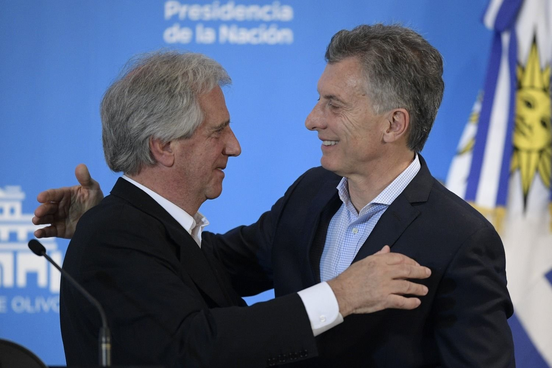 País: Por la crisis en Argentina, Uruguay pone restricciones para realizar compras
