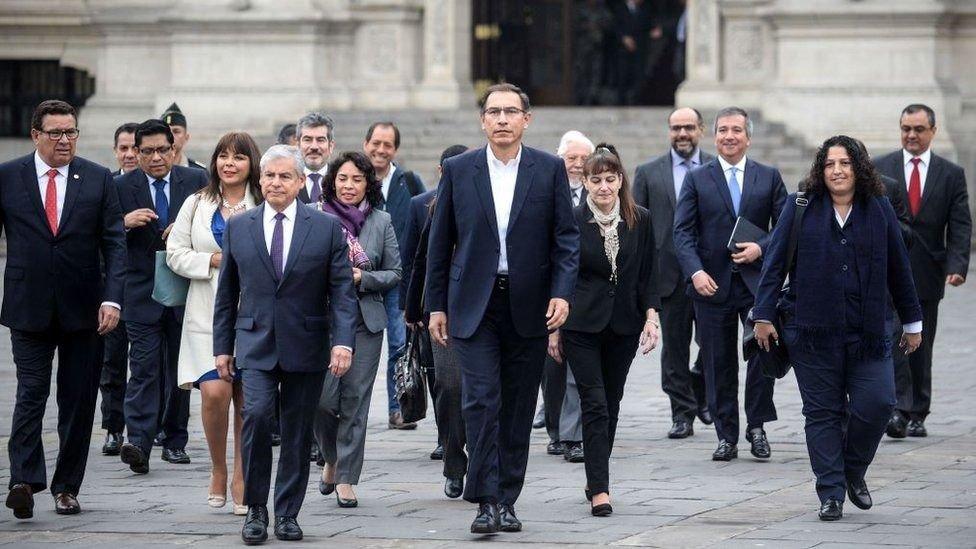 Vizcarra confía en respaldo del pueblo para concretar reformas en Perú