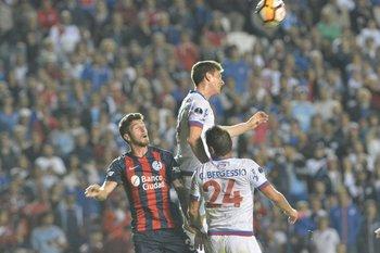 Romero gana por arriba