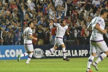 Zunino celebra su gol
