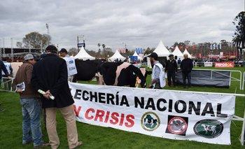 """Los tamberos temen que para 2020 en el cartel tal vez """"crisis"""" ceda su espacio a """"fundida""""."""