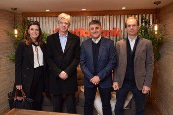 Gabriela Molla, Horacio Correge, Alberto Noria y Mauro Besio