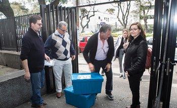 Gustavo Grecco, Martín Odriozola y Gustavo Cuesta del SMU junto a la abogada Patricia Navas y la Dra. Alicia Queiro del FEMI.