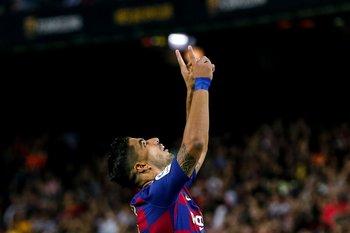 Luis Suárez marcó sus dos primeros goles en la temporada