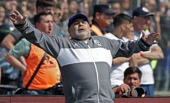 Diego Maradona como director técnico de Gimnasia y Esgrima de La Plata