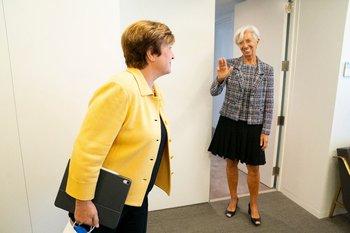 Kristalina Georgieva junto a Christine Lagarde