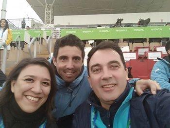 María José Falero junto a Matías Pérez, dirigente de AUF, y Marcos Melazzi, presidente de la CAU, los tres de Cardona