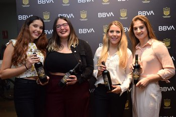 Paulina Cordobez, Fiamma Cortes, Sabrina Gianola y Andrea Álvarez