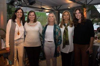 Graciela Faccenini, Mónica Olivielli, Elena Tortilla, Laura Mermot y Silvia Farciolo