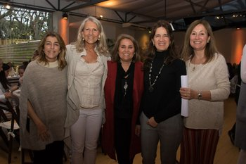 Lola stewart, Laurita Fernández, Mercedes Alegresa, Pilarita Alonso y Lelita trabal