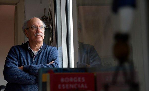 """""""Hay que tener un vínculo con la melancolía para vivir en Montevideo"""""""
