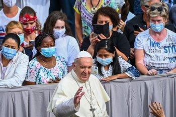 Ante rumores de renuncia, el papa dijo que no piensa dejar su cargo