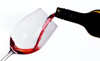 El año pasado se consumió más vino y se bebió menos cerveza.