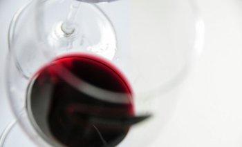 """El proceso de fabricación de Burdi W mezcla 250 miligramos de CBD con uvas locales de Burdeos """"petit verdot"""""""