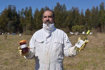Fernando Blanco Riccetto, la miel de Doña Alicia y una novedad, hidromiel uruguaya.