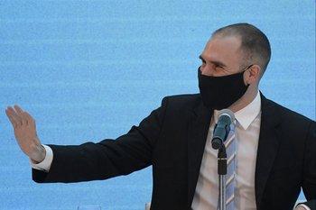 El ministro de economía argentino, Martín Guzmán, vuelve a hacer una gira por Estados Unidos.