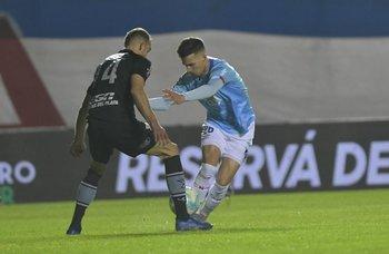 Pablo García encara a Agustín Hernández
