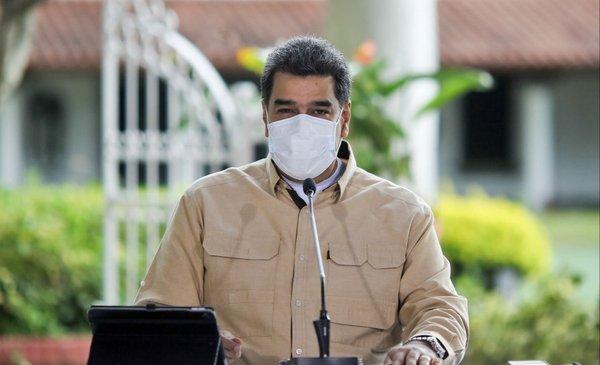 Maduro dice que consiguió una vacuna 100% efectiva contra el covid-19 pero expertos lo niegan