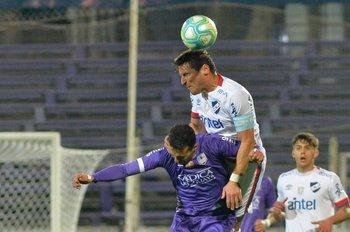 Bergessio supera a González