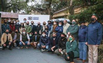 Cabañeros y rematadores realizaron la presentación en la Sala de Conferencias con los cuidados correspondientes a la emergencia sanitaria.