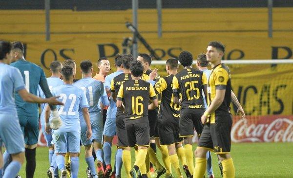 Con muchos cambios, Peñarol va por su primera victoria de la historia ante City Torque