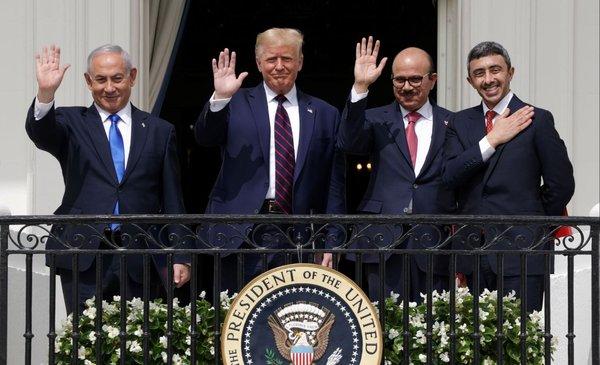 """En plena campaña, """"el pacificador"""" Trump anuncia un nuevo Medio Oriente"""