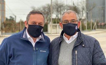 El secretario de la Presidencia Álvaro Delgado junto al candidato blanco a la reelección en Flores, Fernando Echeverría