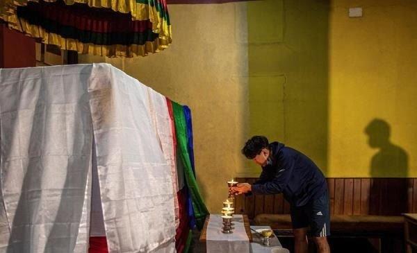 Se desvanece y muere el sherpa Ang Rita, que subió 10 veces el Everest sin oxígeno