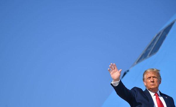 Trump nombrará sucesora de jueza Bader Ginsburg esta semana y una hispana figura entre las opciones