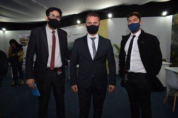 Carlos Sánchez, Rodrigo Albernaz y Leandro Gómez Gomez
