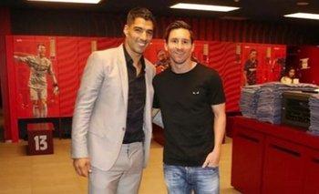 Luis Suárez y Leo Messi en la despedida del uruguayo de FC Barcelona