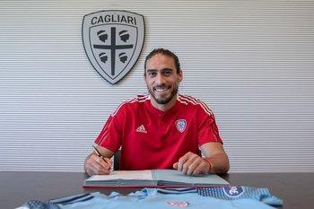 El Pelado Martín Cáceres fue presentado en Cagliari Calcio