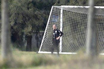 Tabárez dirige el entrenamiento