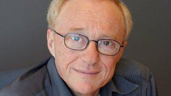 El escritor israelí David Grossman, una de las grandes voces de la literatura mundial y nombrado como firme candidato al Nobel, cuenta su historia en la novela La vida juega conmigo