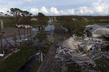 El huracán provocó serias daños a la refinerías de la Costa del Golfo.