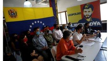 El líder opositor Freddy Guevara habla en conferencia de prensa en Caracas, el 31 de agosto de 2021