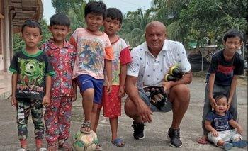 """Jorge """"Coco"""" Rodríguez en Borneo, Samarinda, en Indonesia"""