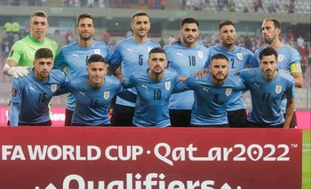 El equipo de Uruguay que comenzó ante Perú el jueves en Lima