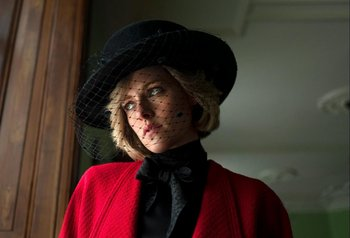 Kristen Stewart como Lady Di