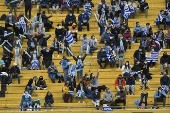 El público agotó las entradas para los partidos de Uruguay en el Campeón del Siglo