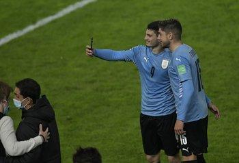 Álvarez Martínez y Valverde y una selfie que puede repetir este jueves luego de Ecuador