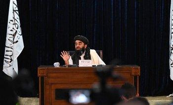 Zabihullah Mujahid, durante una conferencia de prensa en Kabul este lunes