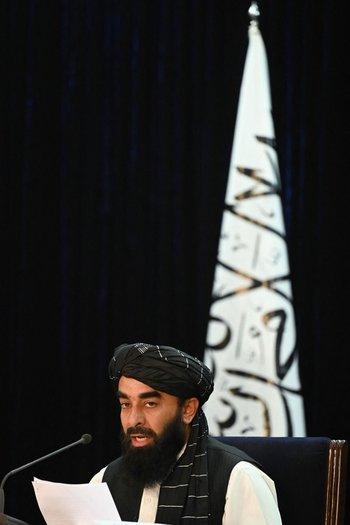 Talibanes confirmaron que las mujeres deberán estudiar separadas de los hombres
