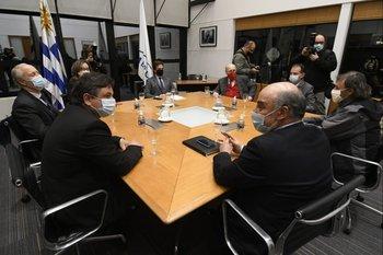 La reunión fue convocada para la hora 19 de este martes en la Torre Ejecutiva, en Montevideo