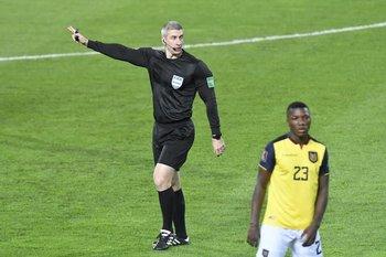 El árbitro brasileño Daronco