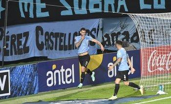 Pereiro celebra el gol que le da el triunfo a Uruguay