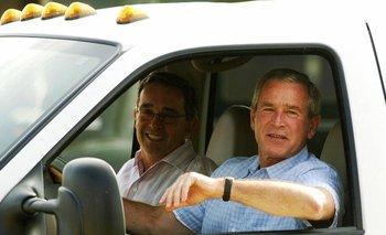 Esta foto es un clásico de la relación bilateral. Uribe y Bush en el rancho del presidente estadounidense en Texas
