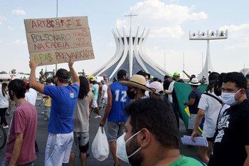 """Manifestaciones en defensa de una """"tercera vía"""" lejana de Bolsonaro y Lula"""